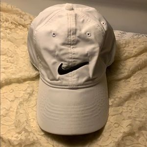 CAP Nike Legacy Dri Fit Pre Owned